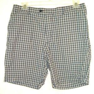 Shorts Men's size 36 blue plaid board flat front